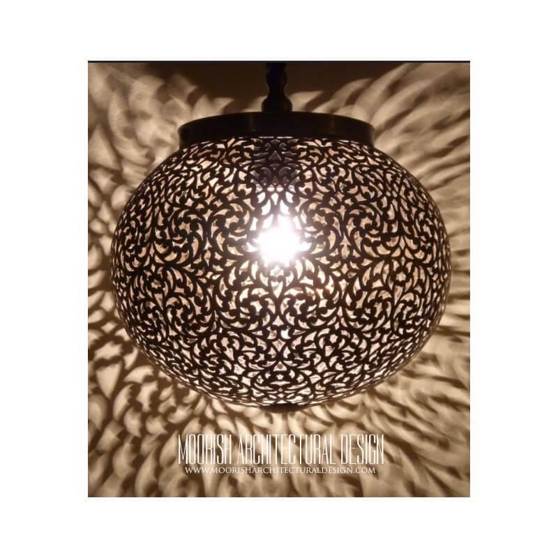 Moroccan restaurant lighting
