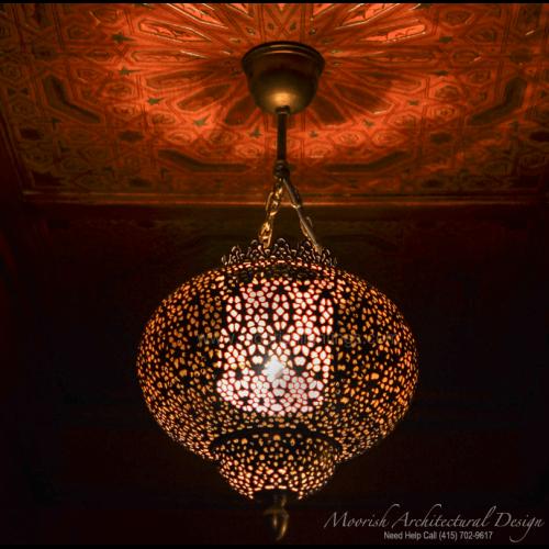 Traditional Moroccan Pendant 07